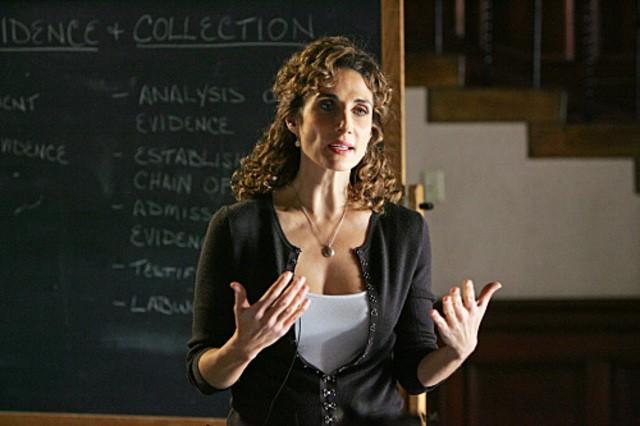 Melina Kanakaredes nel ruolo di Stella  nell'episodio 'Prey' della serie televisiva CSI - NY