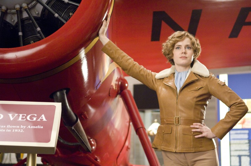 Amy Adams in una sequenza di Una notte al museo 2: la fuga