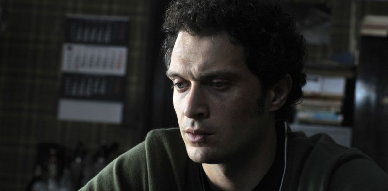 Claudio Santamaria è il protagonista del film Il caso dell'infedele Klara