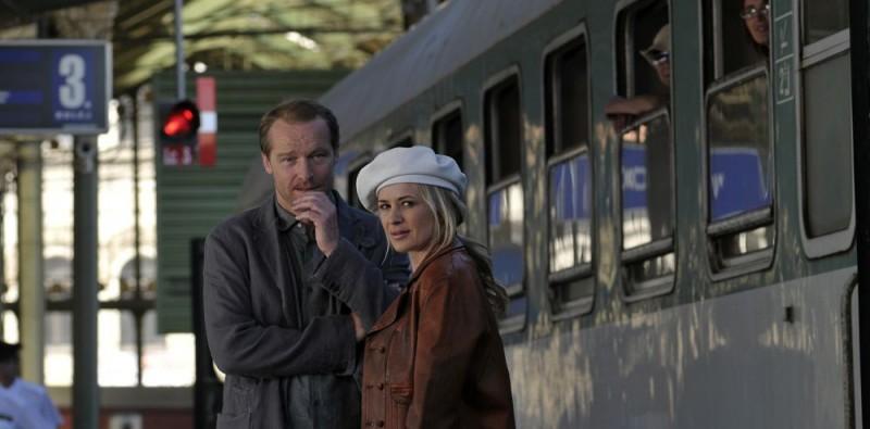 Iain Glen e Kierston Wareing sul set del film Il caso dell'infedele Klara