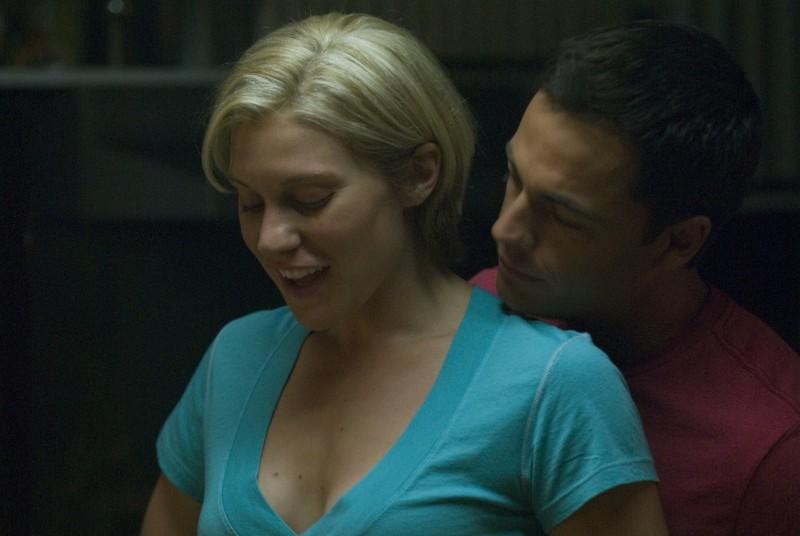 Katee Sackhoff insieme a Tobias Mehler nei panni di Zack, nell'episodio 'Daybreak: Part 1' dell'ultima stagione di Battlestar Galactica