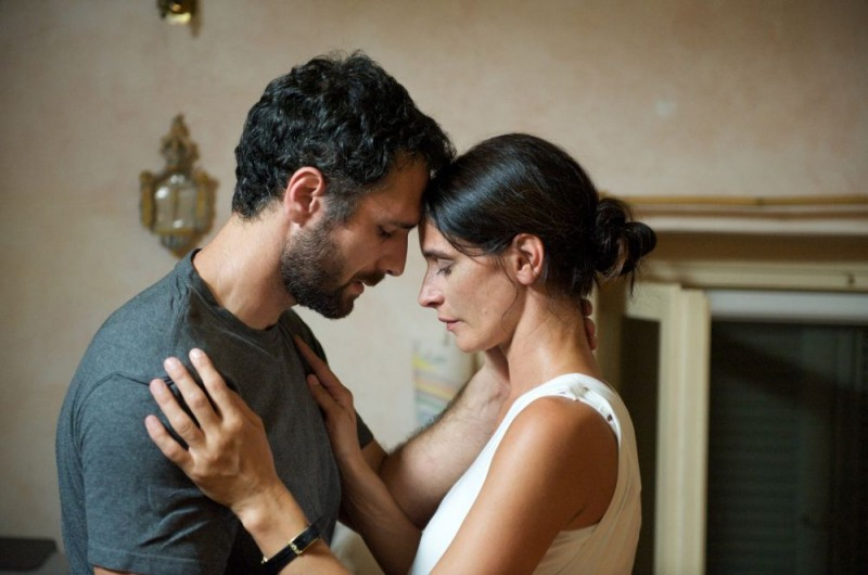 Raoul Bova e Simonetta Solder in un'immagine del film Sbirri