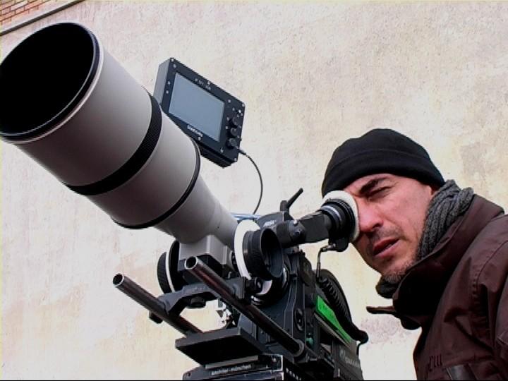 Il regista Francesco Miccichè sul set di Liberi di giocare