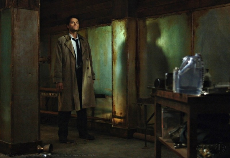 Misha Collins in un momento dell'episodio On the Head of a Pin di Supernatural