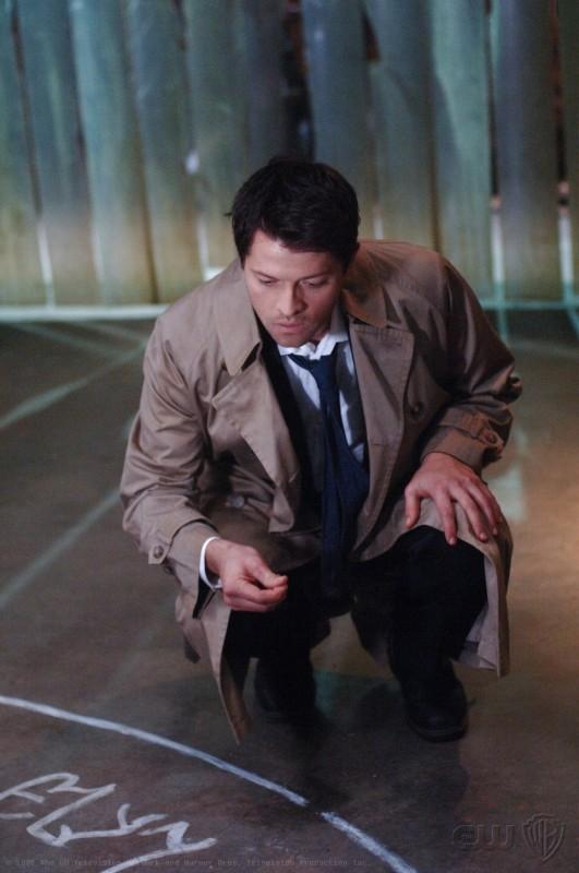 Misha Collins in una foto di scena dell'episodio On the Head of a Pin di Supernatural