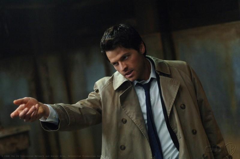 Misha Collins in una scena dell'episodio On the Head of a Pin di Supernatural