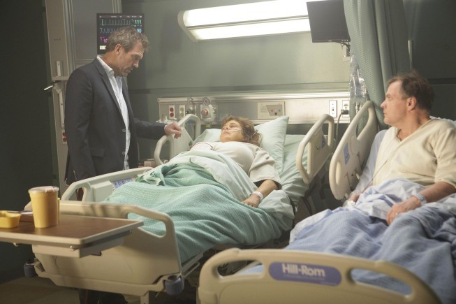 Hugh Laurie in una scena di Simple Explanation da Dr. House: Medical Division