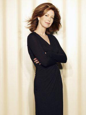 L'attrice Dana Delany è Catherine Mayfair in una foto promo della quinta stagione di Desperate Housewives