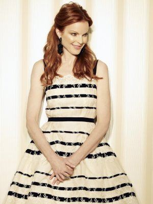 Marcia Cross è la fascinosa e impeccabile Bree Van De Kamp in una immagine promo della quinta stagione di Desperate Housewives