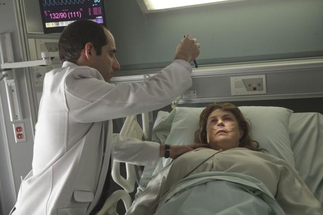 Peter Jacobson in una scena tratta da Simple Explanation di Dr. House: Medical Division