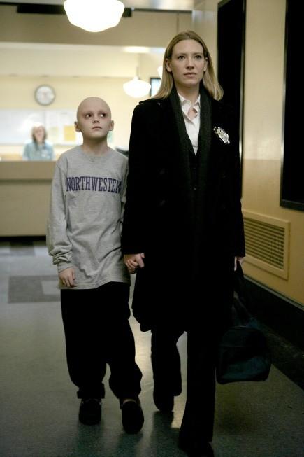 Spencer List ed Anna Torv nell'episodio Inner Child di Fringe