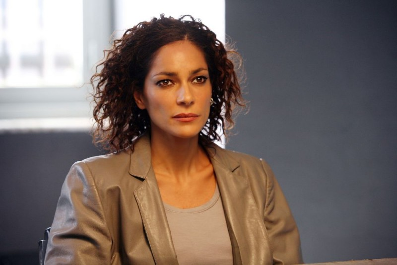 Simona Cavallari è il Vice Procuratore Claudia Mares nella serie tv Squadra Antimafia - Palermo oggi