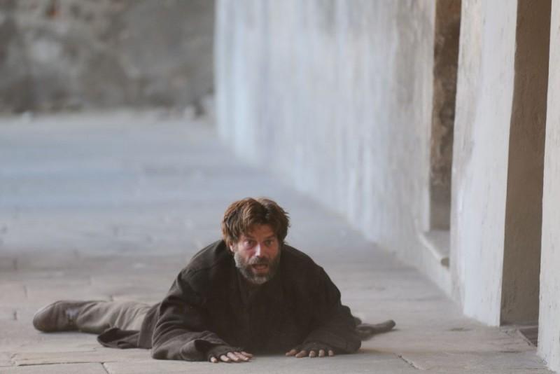 Johannes Brandrup in una sequenza de Lo smemorato di Collegno