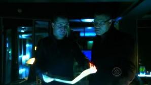 Laurence Fishburn e George Eads nell'episodio 'Turn, Turn, Turn' della nona stagione di CSI - Las Vegas
