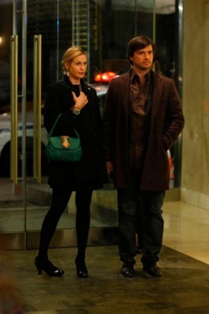 Kelly Rutherford e Matthew Settle nell'episodio 'Remains of the J' della serie tv Gossip Girl