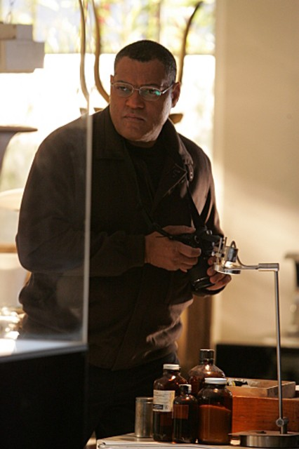Laurence Fishburne nel ruolo di Langston nell'episodio 'Kill me if you can' della serie televisiva CSI: Crime Scene Investigation
