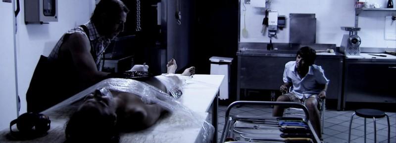 Nel macello del market: Adam il macellaio, Nicole e David (interpretati da Ottaviano Blitch, Elisa Sensi e Marco Martini)
