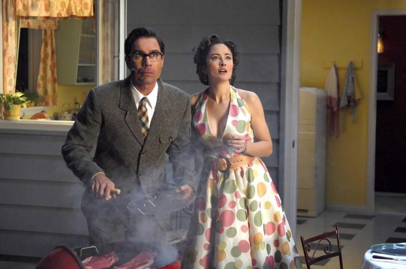 Eric McCormack e Jody Thompson in una scena del film Alien Trespass