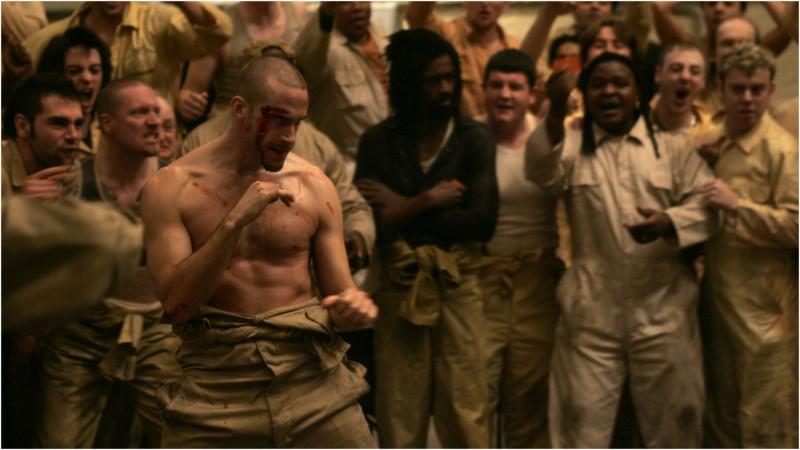 Joseph Fiennes in un'immagine del film Prison Escape