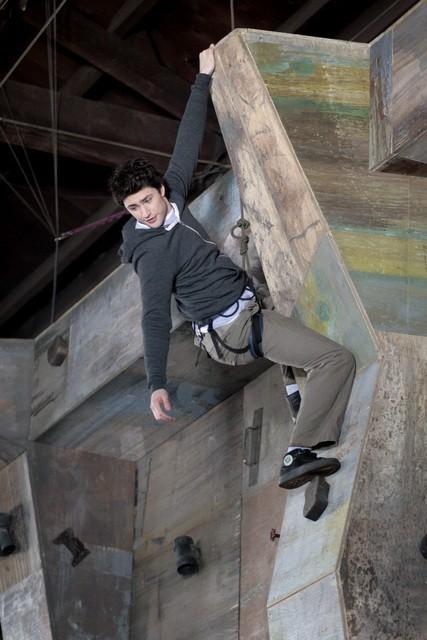 Matt Dallas fa pratica nell'episodio 'Equilibri Precari' della seconda stagione della serie tv Kyle XY