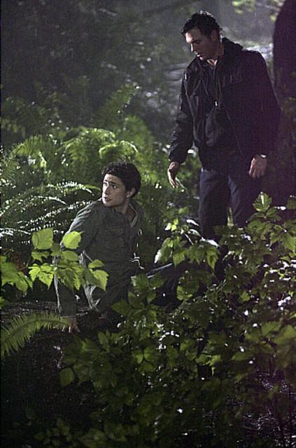 Nicholas Lea e Matt Dallas nell'episodio 'Endgame' della prima stagione della serie tv Kyle XY