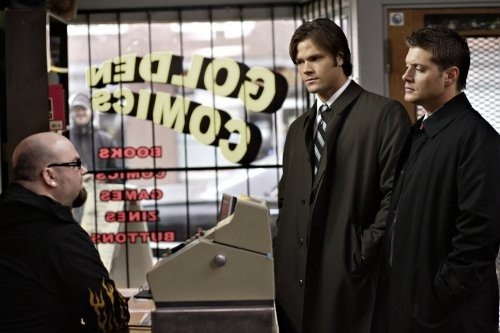 Jensen Ackles e Jared Padalecki in un momento dell'episodio The Monster at the End of this Book di Supernatural