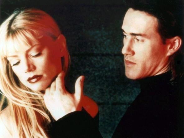 Peta Wilson e Roy Dupuis nel serial Nikita.