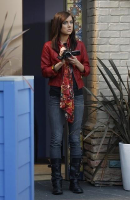 Jessica Stroup in una scena dell'episodio Life's a Drag di 90210