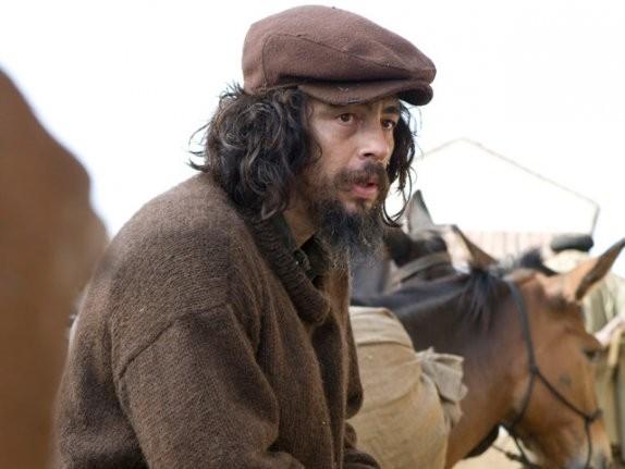 Benicio Del Toro in un'immagine del film Che - Guerriglia