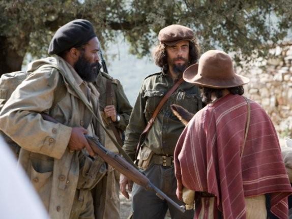 Benicio Del Toro in una scena del film Che - Guerriglia
