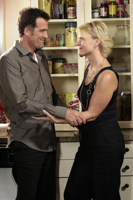 Bruce Thomas e Marguerite MacIntyre  in un momento dell'episodio 'Great Expectations' della serie tv Kyle XY
