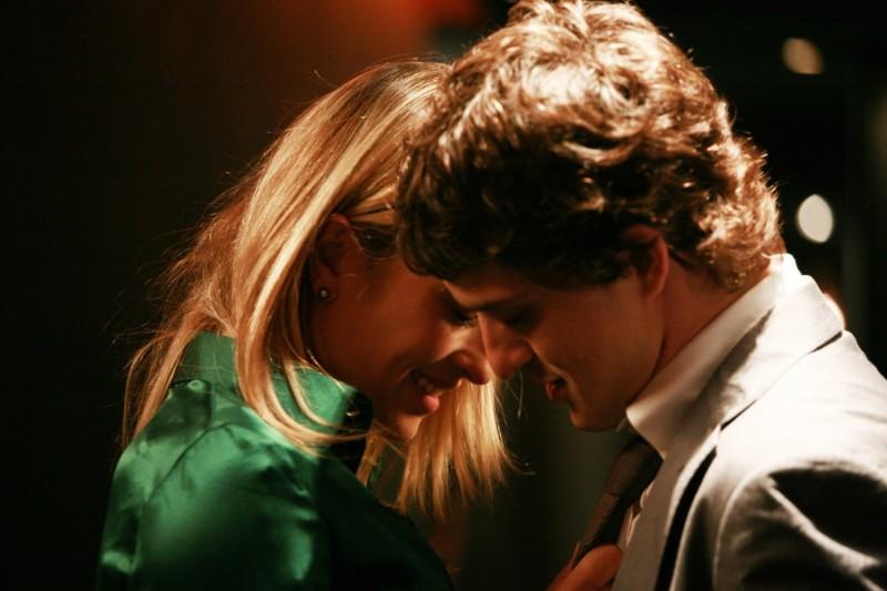 Carolina Crescentini e Alessandro Tiberi in una scena del film Generazione 1000 euro