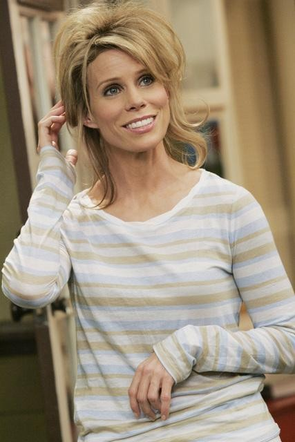 Cheryl Hines nell'episodio Shepfather di In the Motherhood