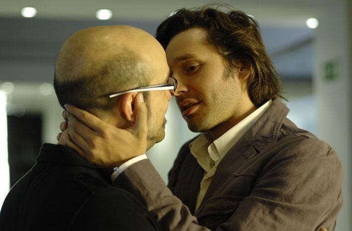 Javier Cámara e Benjamín Vicuña in una scena del film Fuori menù