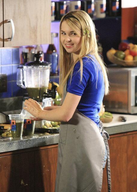 Kirsten Prout in una sequenza dell'episodio 'Grey Matters' della serie tv Kyle XY