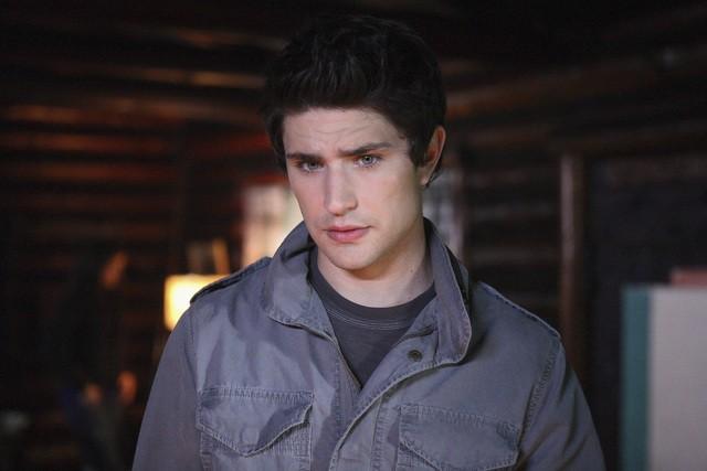 Kyle, interpretato da Matt Dallas, in una scena dell'episodio 'Chi è Kyle?' della serie tv Kyle XY