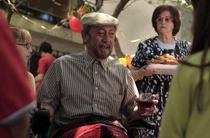 Luis Varela e  in una scena del film Fuori menù