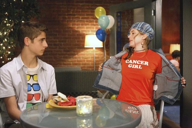 Magda Apanowicz e Jean-Luc Bilodeau nell'episodio 'La verità nascosta' della seconda stagione di Kyle XY