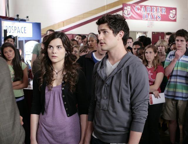 Matt Dallas e Jaimie Alexander in una scena dell'episodio 'Verso il Futuro' della serie televisiva Kyle XY