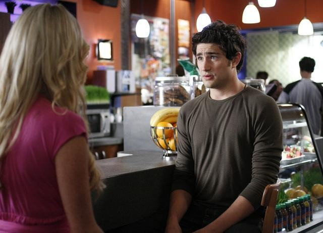 Matt Dallas, nei panni di Kyle, in un momento dell'episodio 'Primary Colors' della serie tv Kyle XY