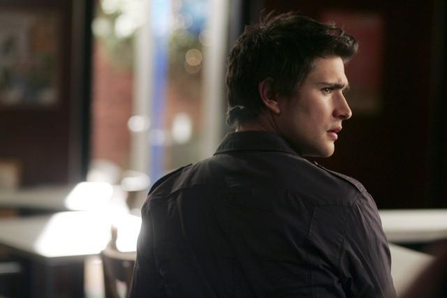 Matt Dallas nell'episodio 'Does Kyle Dream of Electric Fish?' della seconda stagione di Kyle XY