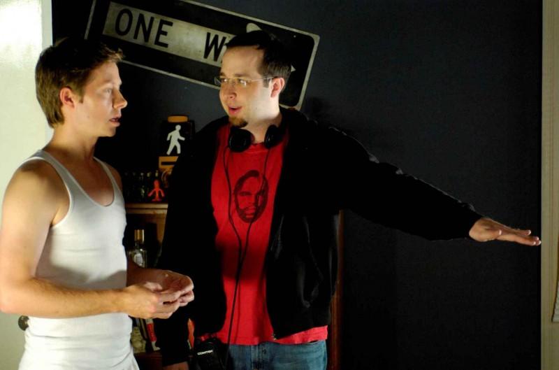 Peter Oldring e il regista Martin Gero sul set del film Young People Fucking