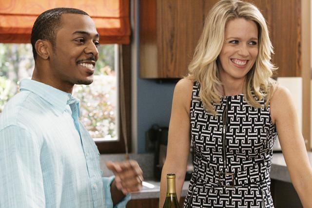 RonReaco Lee e Jessica St. Clair in una scena dell'episodio Shepfather di In the Motherhood