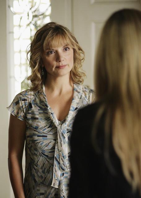 Teryl Rothery in una scena dell'episodio 'Grounded' della seconda stagione della serie televisiva Kyle XY