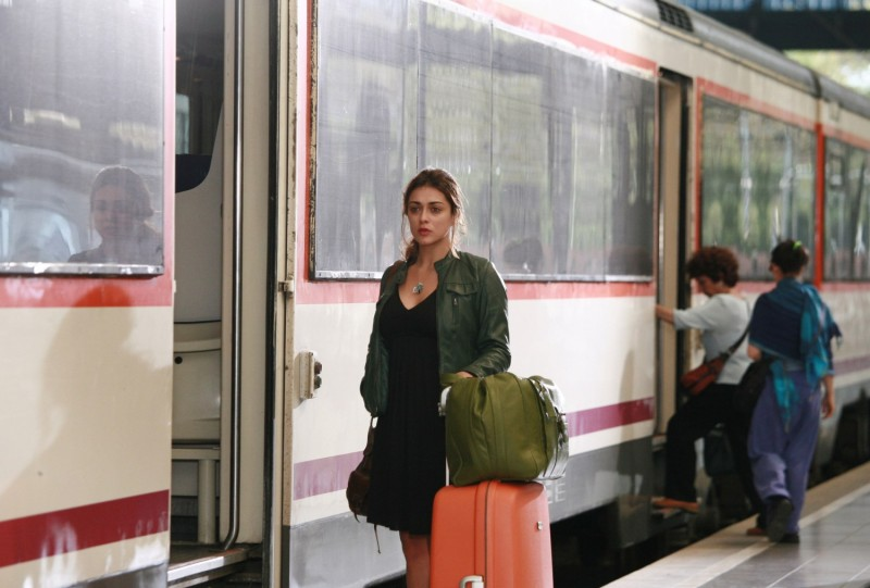 Valentina Lodovini in una sequenza del film Generazione mille euro