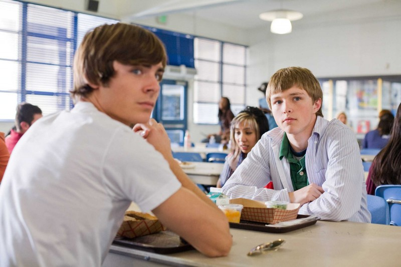 Zac Efron e Sterling Knight in una scena del film 17 Again - Ritorno al Liceo