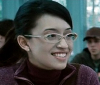 Christian Serratos in una scena del film Twilight