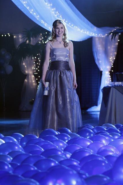 Kirsten Prout in una scena dell'episodio 'Ive Had the Time of My Life' della serie tv Kyle XY