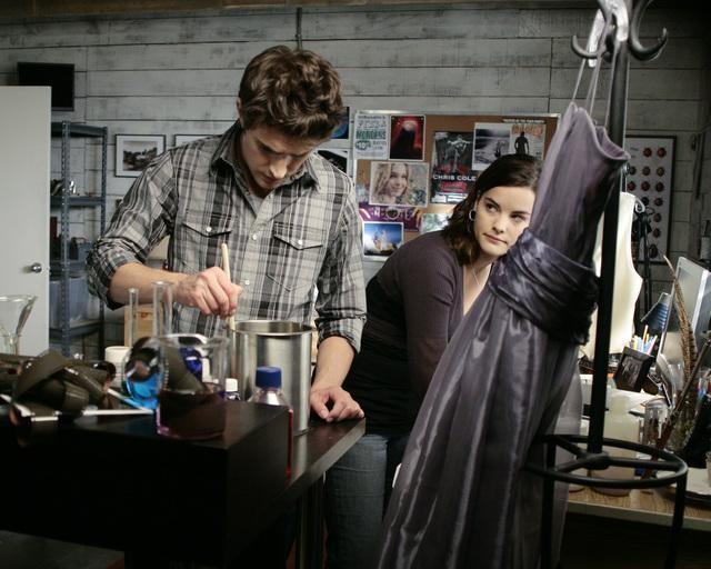 Matt Dallas e Jaimie Alexander nell'episodio 'Ive Had the Time of My Life' della seconda stagione di Kyle XY