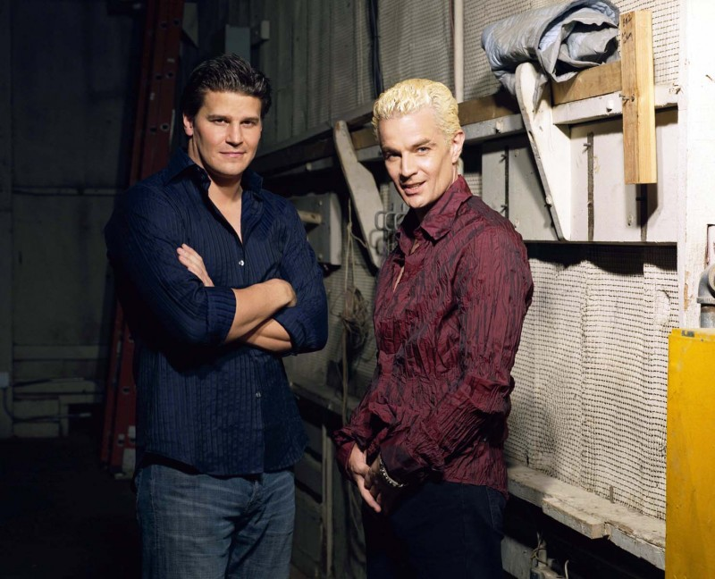 David Boreanaz e James Marsters in una immagine promo della stagione 3 di Buffy